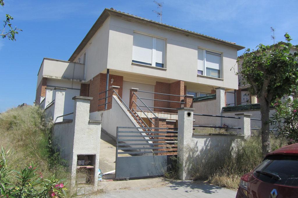 Ref. 2302 – Casa cantonera (a 3 vents)