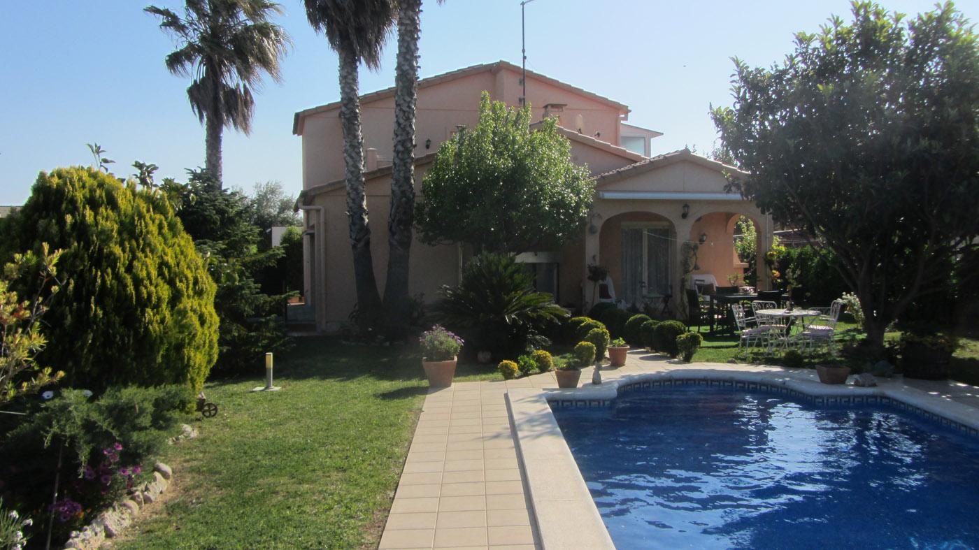 Ref. 71 – Casa unifamiliar (a 4 vents) amb piscina, Mas Pau