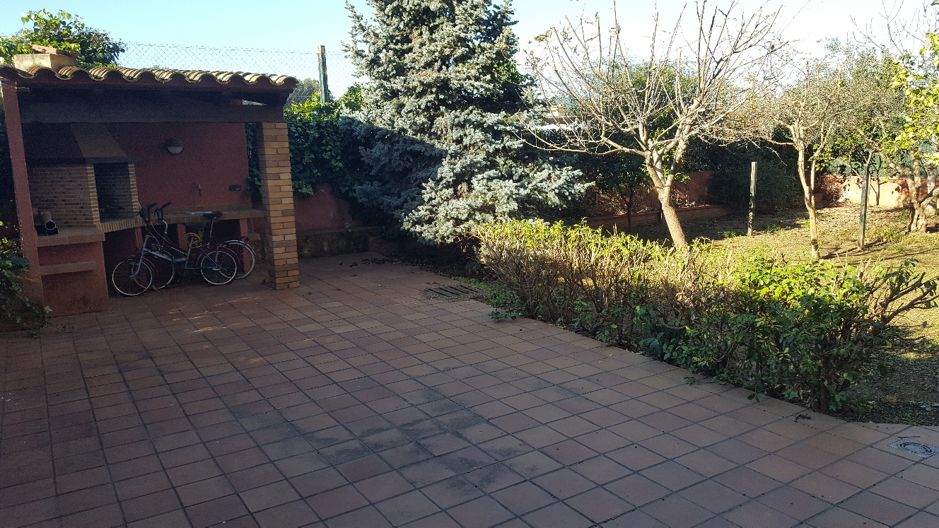Ref. 363 – Baix amb jardí Zona Mossos-Jutjats